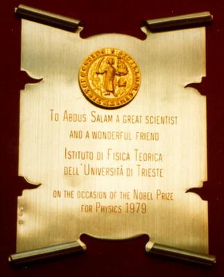 1979 - Istituto di Fisica Teorica, Università degli Studi di Trieste: Congratulations for the Nobel Prize  - small