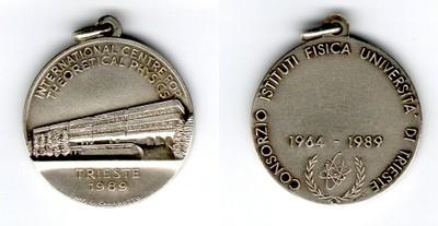 1989 - Consorzio Istituti Fisica Università di Trieste: ICTP 25th Anniversary, 1964-1989 - small