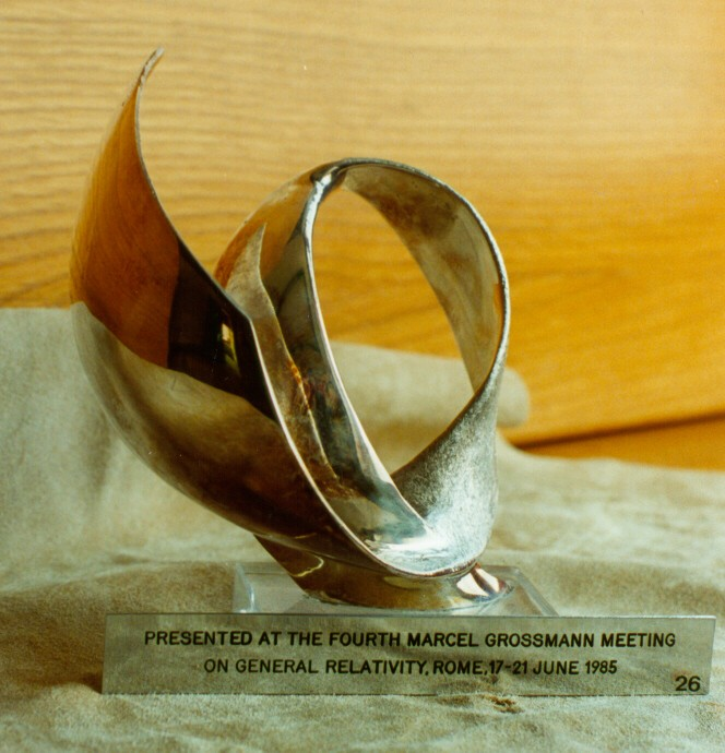 1985 - Fourth Marcel Grossmann Meeting on General Relativity - big